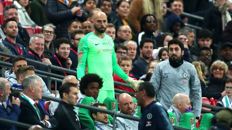 Willy Caballero reacts as Kepa Arrizabalaga refuses to be substituted in the second half of extra-time