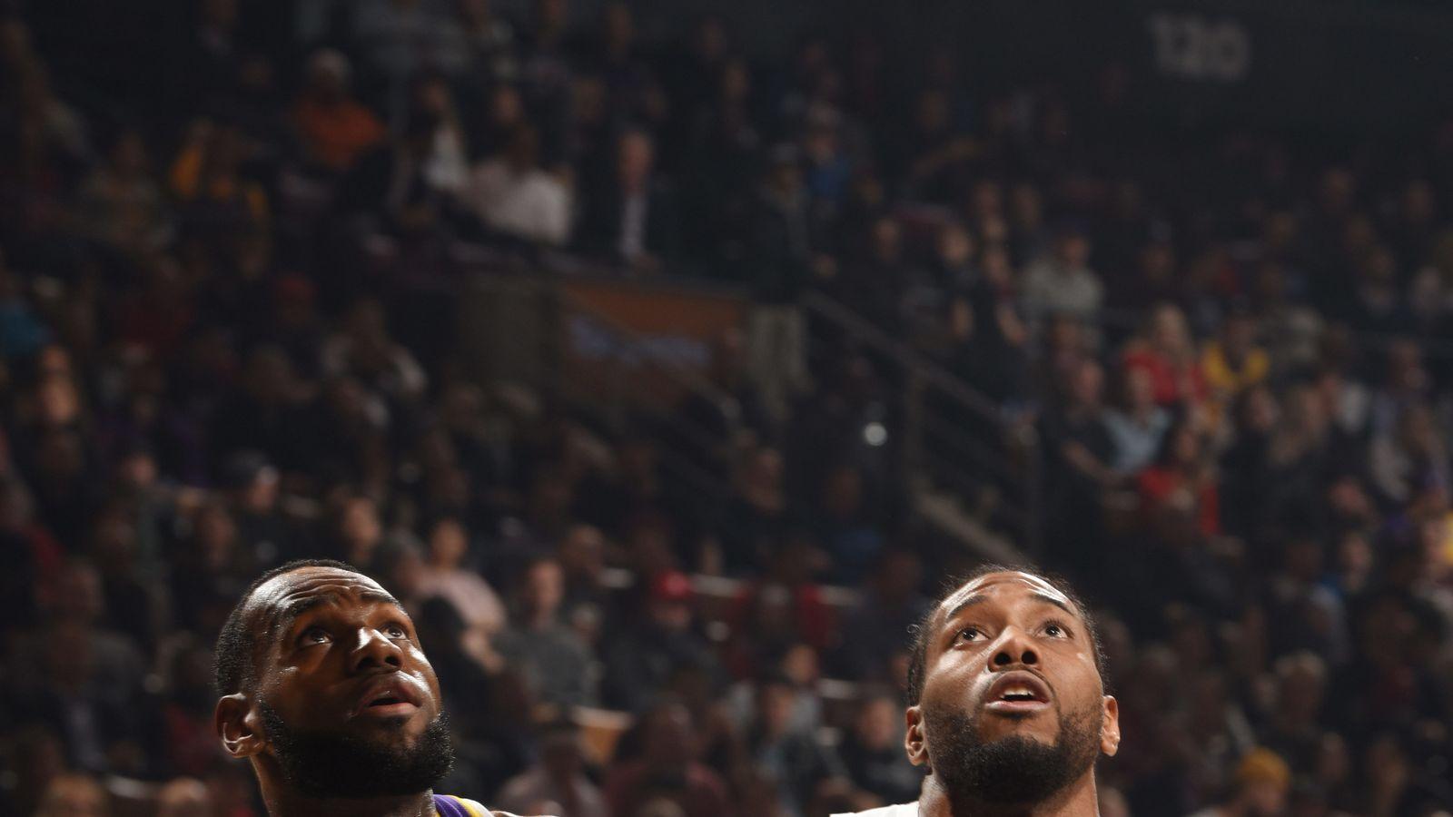 Kawhi Leonard Scores 25 Points To Lead Toronto Raptors