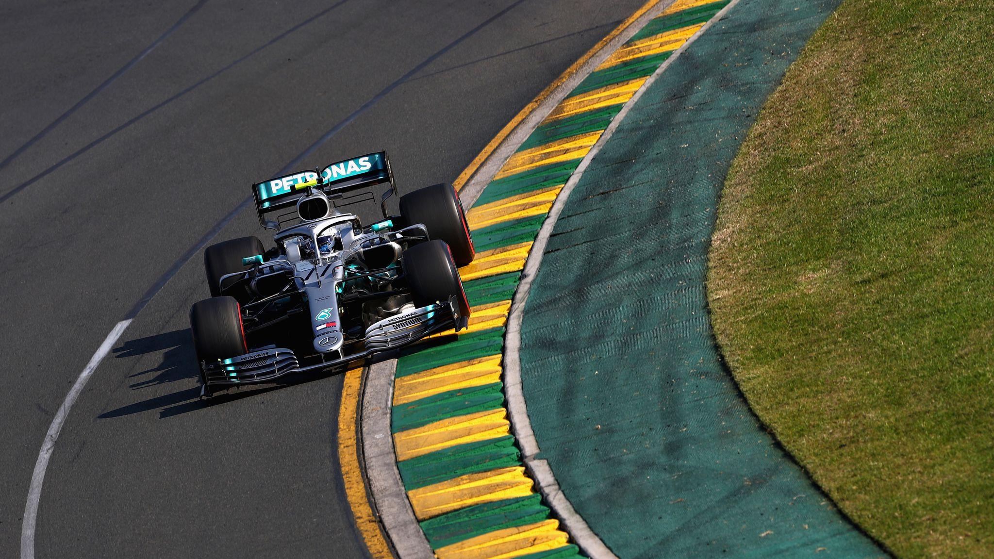 Australian GP: Valtteri Bottas beats Lewis Hamilton, Ferrari struggle