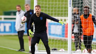 Heaton enjoying Pickford rivalry