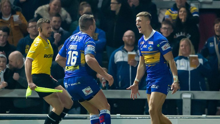 Ash Handley scored an early try for Rhinos after a bright start, but Wakefield dominated from there