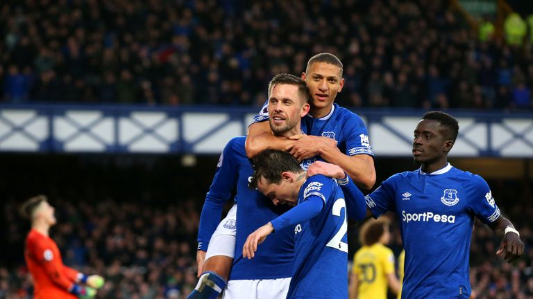 Everton 2-0 Chelsea: Toffees dent Blues top-four hopes | Football News |  Sky Sports