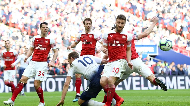 Harry Kane is fouled by Shkodran Mustafi resulting in a penalty for Tottenham