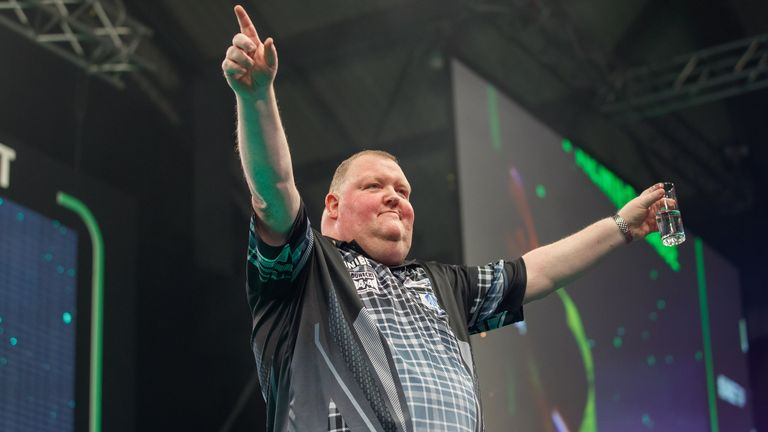 John Henderson had Aberdeen rocking as he earned a draw against Michael van Gerwen