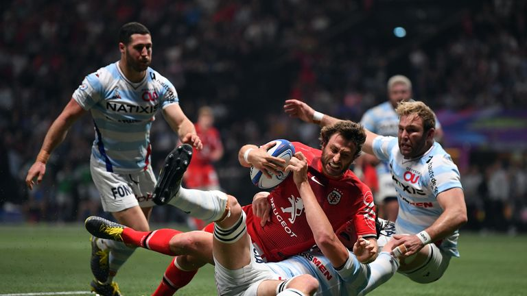 Maxime Medard scores for Toulouse during an entertaining clash with Racing 92