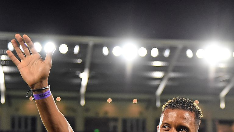 Nani waves to fans prior to the match between New England Revolution and Orlando City (image: USA Today/MLSsoccer)
