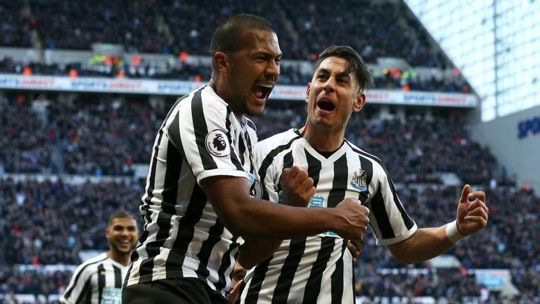 NEWCASTLE UPON TYNE, ENGLAND - MARCH 09: xxxx of Newcastle United challenges xxxx of Everton during the Premier League match between Newcastle United and Everton FC at St. James Park on March 9, 2019 in Newcastle upon Tyne, United Kingdom. (Photo by Nigel Roddis/Getty Images)