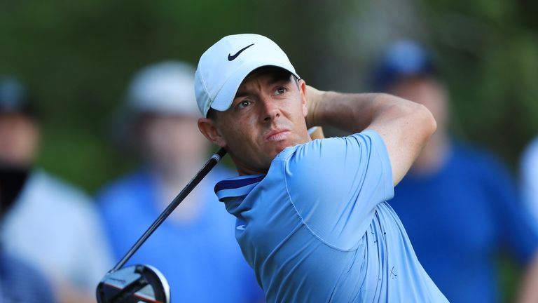Rory McIlroy joined Fleetwood at 12 under after a late charge