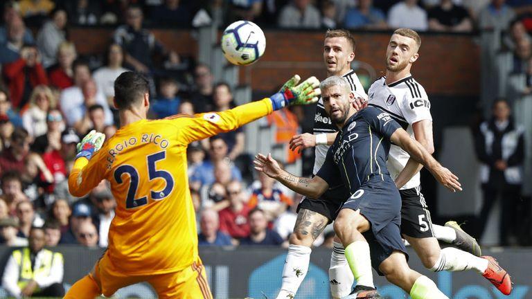 Sergio Aguero makes it 2-0