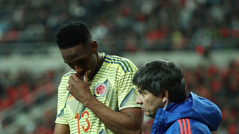 Everton will assess the extent of Yerry Mina's hamstring injury