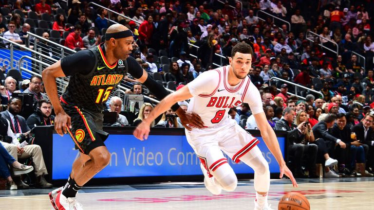 Zach LaVine of the Chicago Bulls drives to the basket against the Atlanta Hawks