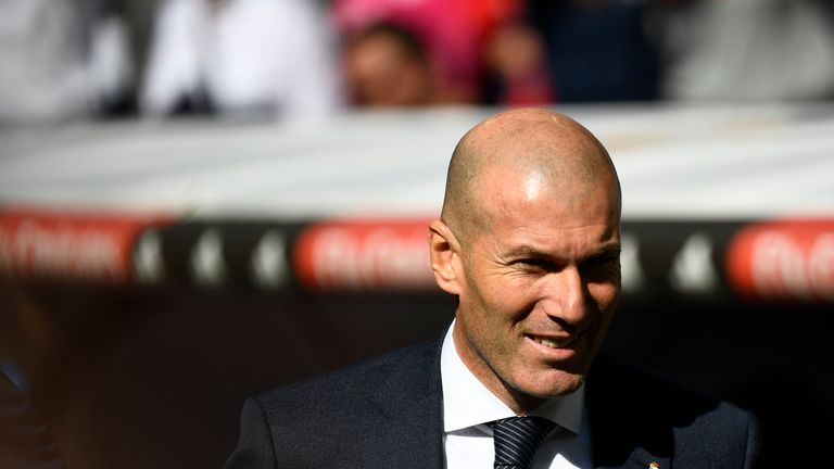 Zinedine Zidane back in the Real Madrid dugout at the Bernabeu