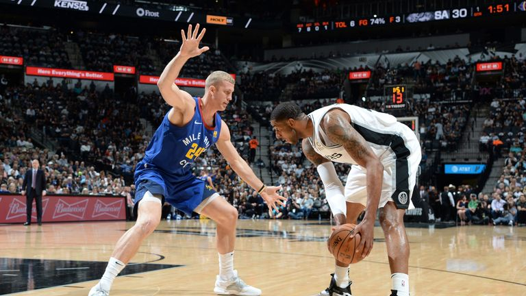 LaMarcus Aldridge takes on Miles Plumlee in Game 6