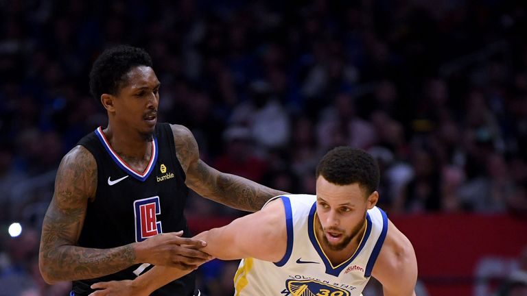 Lou Williams guards Stephen Curry in Game 5 of the Clippers-Warriors series
