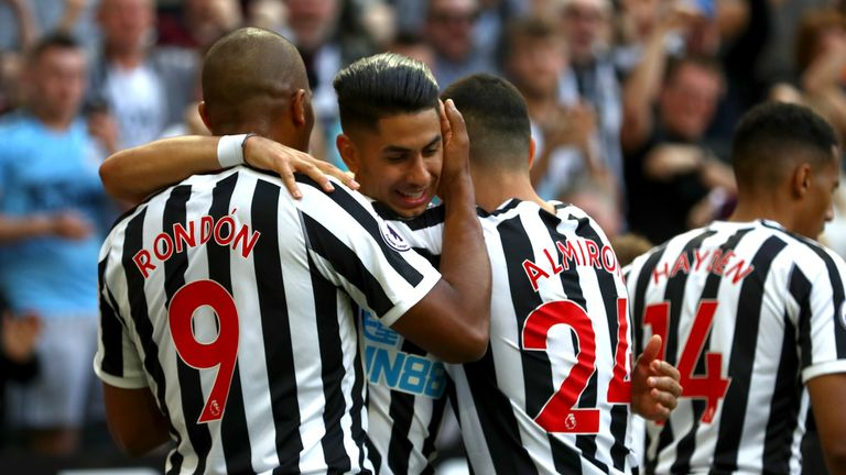 Ayoze Perez celebrates after putting Newcastle 1-0 up