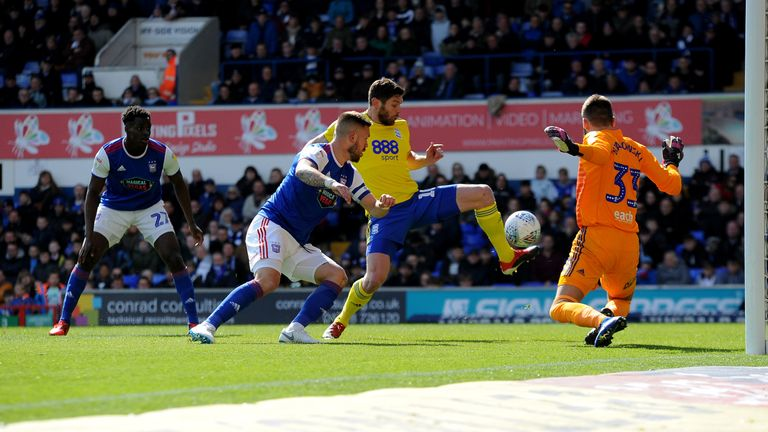 Birmingham City's Lukas Jutkiewicz scores his side's first goal against Ipswich Town