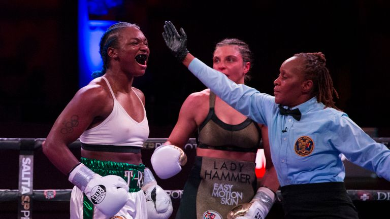 The American sealed a wide victory on the scorecards