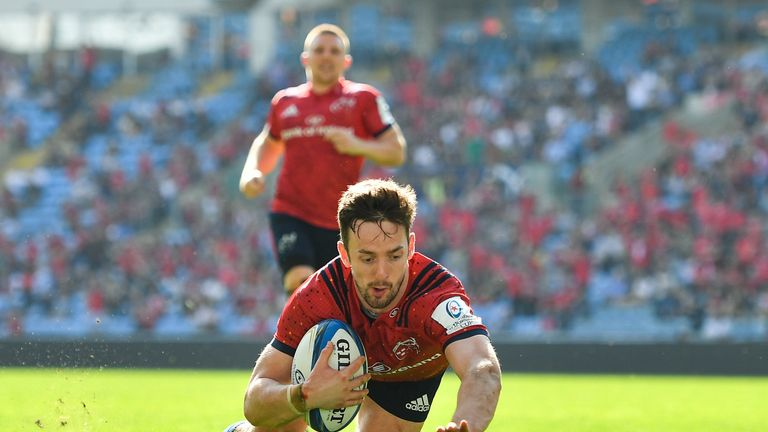 Darren Sweetnam gave Munster some semblance of hope when he dove over for a try just past the hour mark