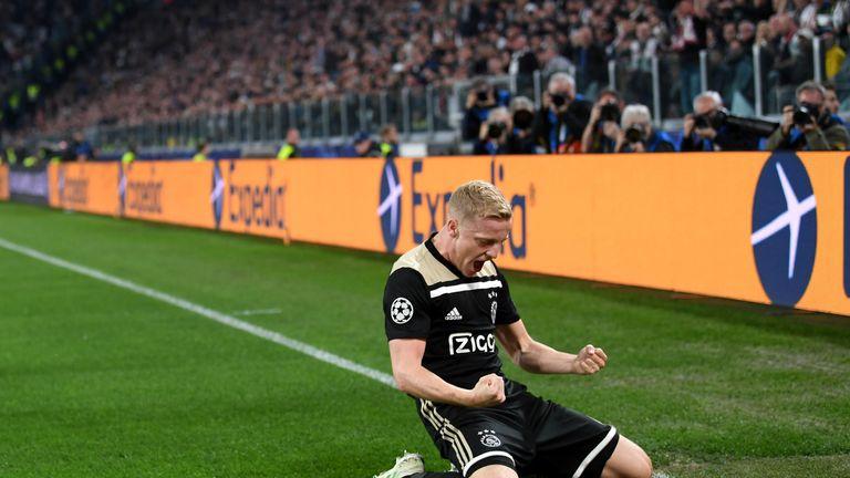 Donny van de Beek celebrates his well-taken equaliser in the first half