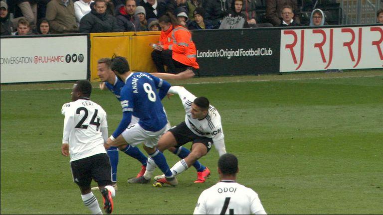 Gomez tackle on Mitrovic