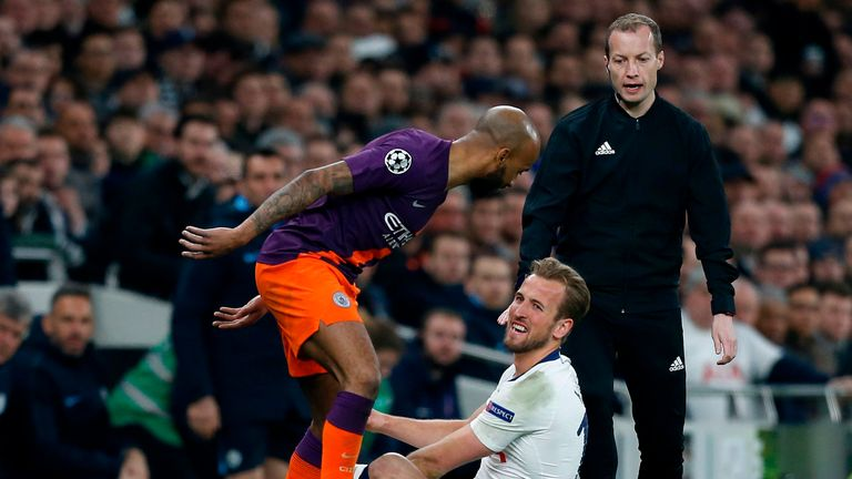 Tottenham's Kane has 'significant' ankle ligament damage