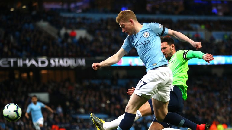 Kevin De Bruyne scores the opener for Manchester City
