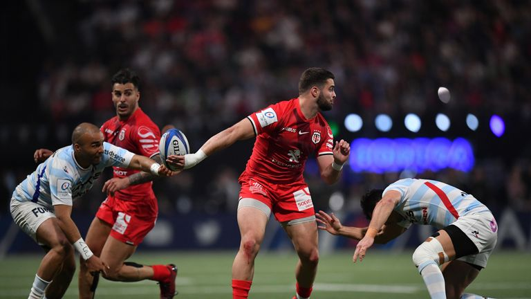 Lucas Tauzin gets  a superb offload away for Toulouse