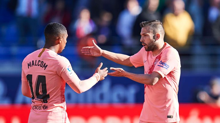 Jordi Alba discusses an incident with Malcom during Barcelona's draw