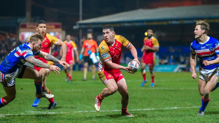Matt Whitley's two tries helped Catalans Dragons stay in sixth place