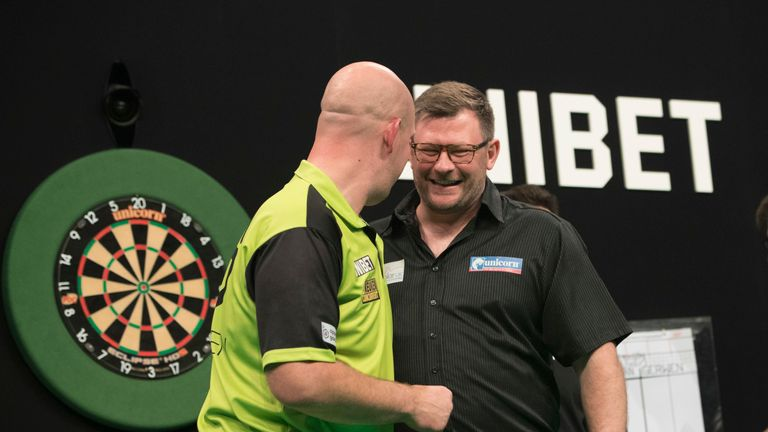 UNIBET PREMIER LEAGUE DARTS 2019 ARENA BIRMINGHAM,.BIRMINGHAM.PIC LAWRENCE LUSTIG.MICHAEL VAN GERWEN V JAMES WADE.JAMES WADE IN ACTION.