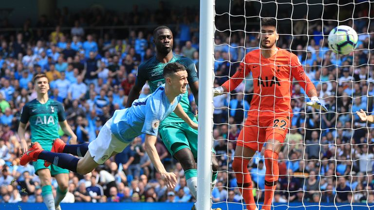 Phil Foden heads Man City in to a 1-0 lead