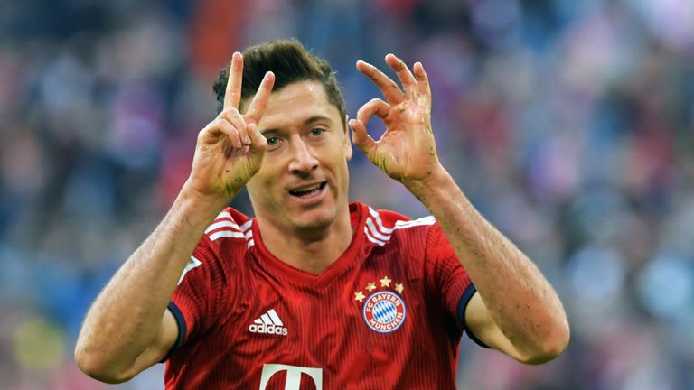 Robert Lewandowski became the fifth-fastest player to reach 200 Bundesliga goals