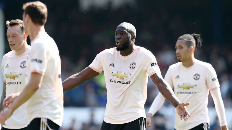 Romelu Lukaku during Manchester United's defeat to Everton