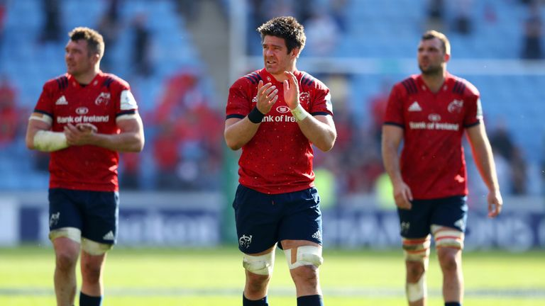 Tadhg Beirne applauds the Munster fans following their defeat to Saracens