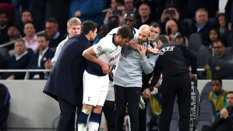 Jan Vertonghen collapsed moments after coming back on the pitch