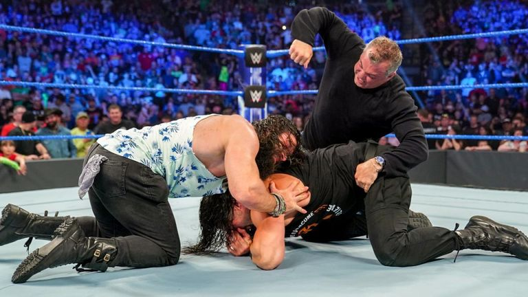 Roman Reigns attacked on wwe smackdown