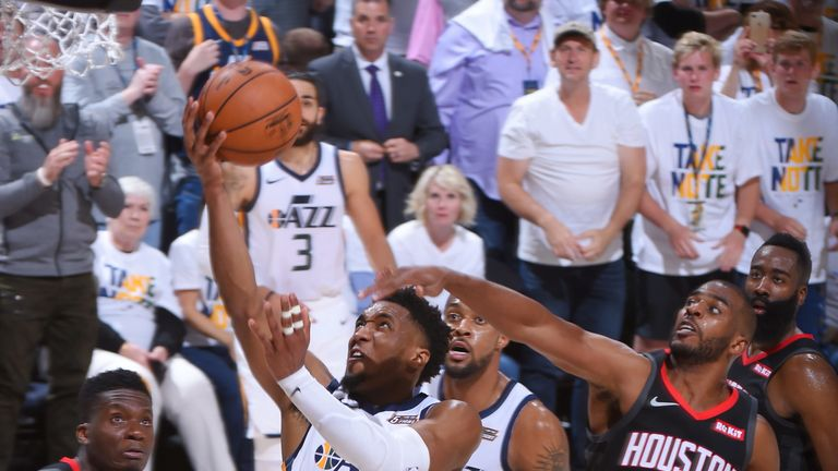Donovan Mitchell evades Chris Paul to score in Game Four