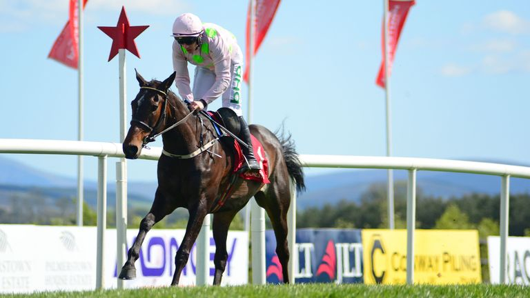 Benie Des Dieux and Paul Townend win at Punchestown