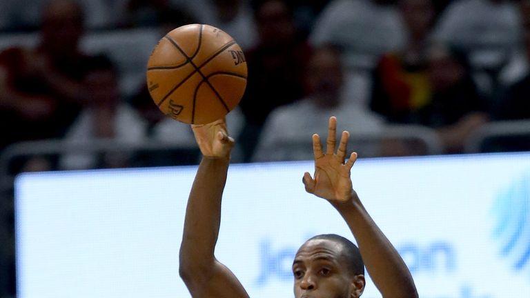 Pascal Siakam throws down thunderous dunk in Toronto Raptors' Game 1 loss to Milwaukee Bucks | NBA News |