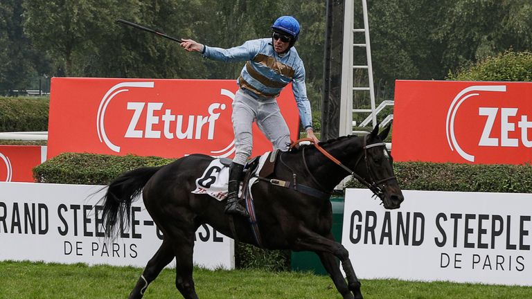 Davy Russell takes French feature Carriacou
