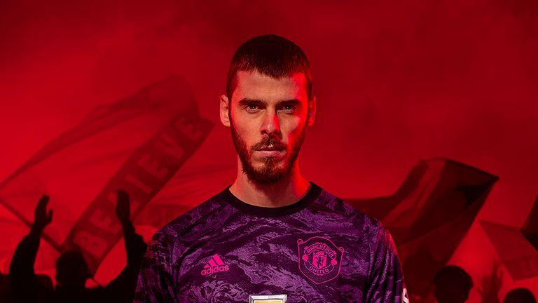 David de Gea models Man Utd's new goalkeeping kit