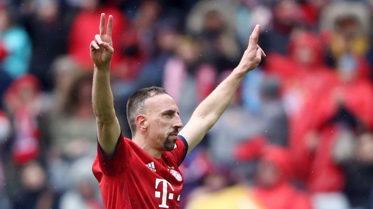 Franck Ribery celebrates after scoring Bayern's third goal during the Bundesliga match against Hannover 96 at Allianz Arena on May 04, 2019