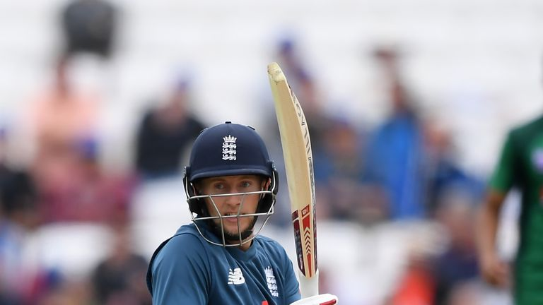 Joe Root batting for England in the 5th ODI against Pakistan at Headingley