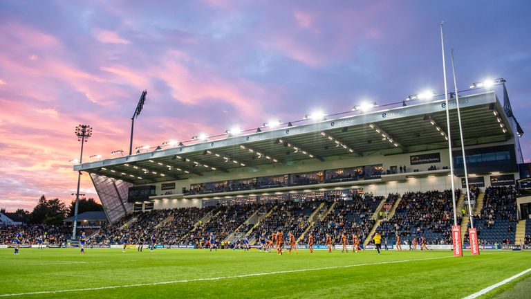 Leeds were beaten by Castleford on the opening of their new North Stand