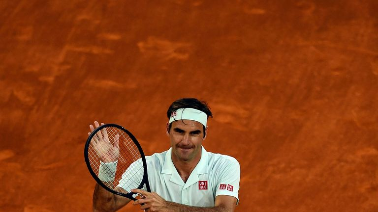 Roger Federer defeats Richard Gasquet on first clay court match in three years