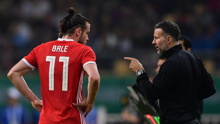 Wales boss Ryan Giggs insists Gareth Bale still loves football despite a torrid time at Real Madrid.