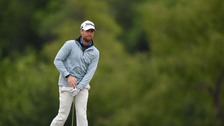 Tyler Duncan is tied for second despite hitting his wife with a wayward shot