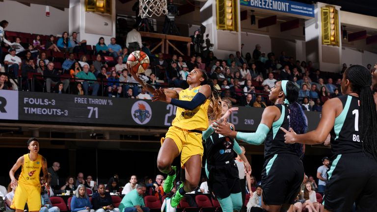 Indiana Fever rookie Teaira McCowan hits buzzer-beater against New York Liberty as WNBA season opens in dramatic fashion | NBA News |