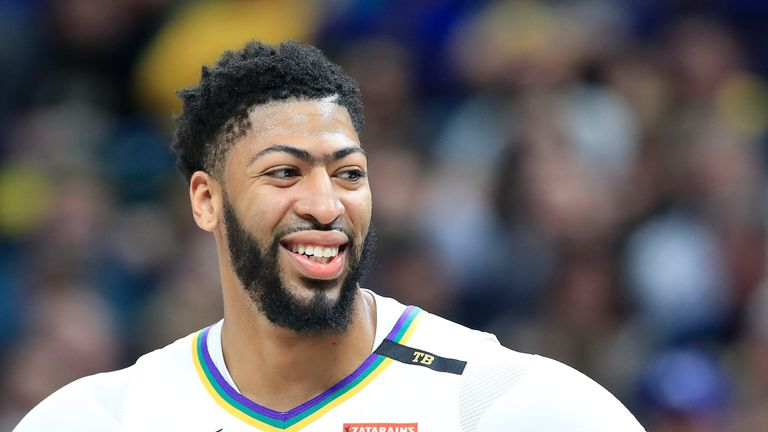 Anthony Davis smiles during a New Orleans Pelicans regular season game