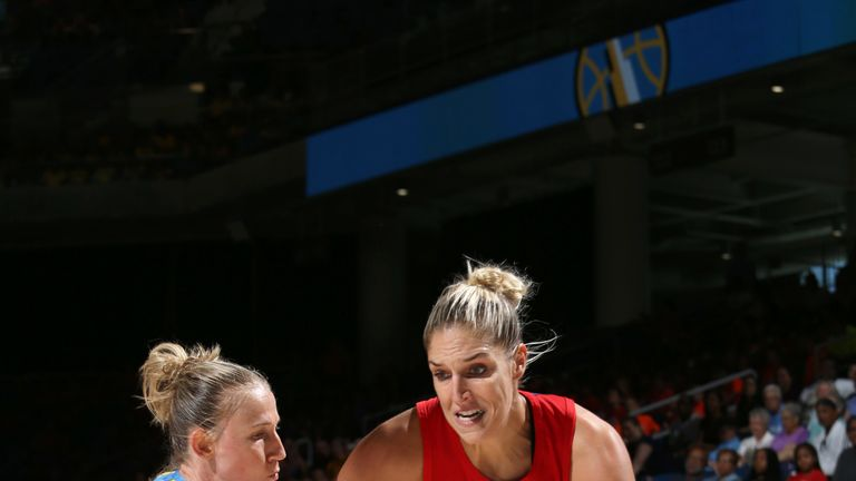 Elena Delle Donne attacks against the Chicago Sky